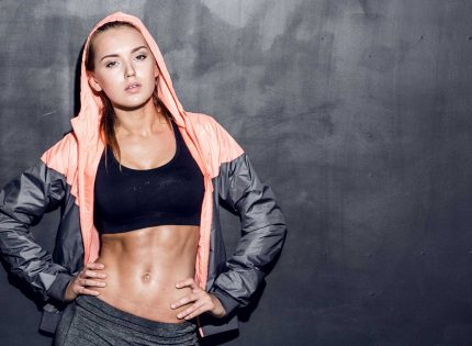 5 Fitness shows how to use the exercise band