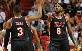 Davis suffers right knee contusion in Pelicans' win