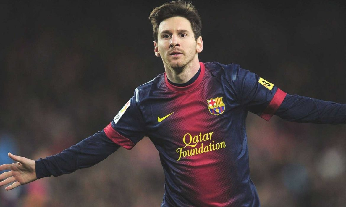 Messi signs shirt for pitch invader rivalry